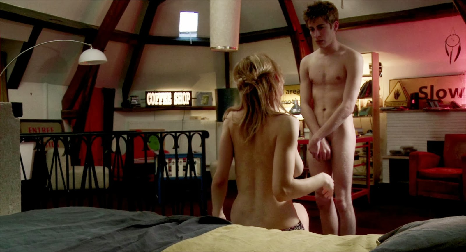 смотреть онлайн фильм молодежные секс звук смеха